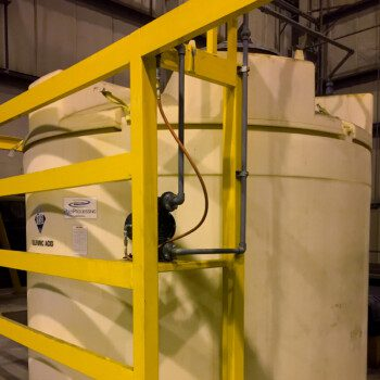 1000 Gallon SAFE-Tank with Pump Shelf